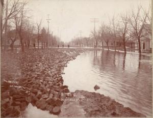 Street blocks floating in flood